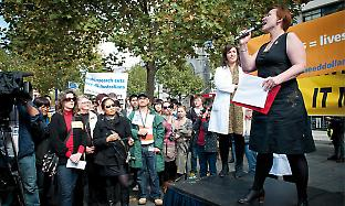 Krystal Evans at the Discoveries Need Dollars rally in Melbourne.